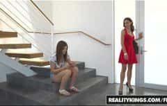 Cea in rochita rosie este bombardiera