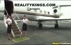 Hai in avionul femeilor pizdoase