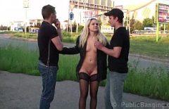 Viorel Si Dan Fut In Public O Blonda Prostituata Frumoasa