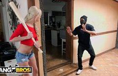 Laura Fute Un Hot Ce A Intrat In Casa Ei