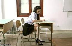 Fute In Pizda O Bruneta Studenta Chiar La Facultate